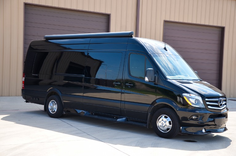 Used 2018 Mercedes-Benz Sprinter Midwest Automotive Daycruiser 3500XD for sale Call for price at Iconic Sprinters in Fort Worth TX 76106 4