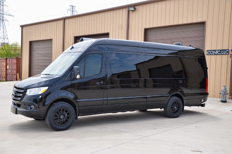 New 2021 Mercedes-Benz Sprinter 170EXT Family Day Lounge 3500xd FD6 for sale Sold at Iconic Sprinters in Fort Worth TX 76106 4