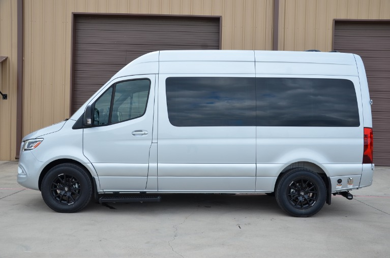 New 2022 Mercedes-Benz 144 Sprinter Metro Day Lounge D6 for sale Call for price at Iconic Sprinters in Fort Worth TX 76106 4
